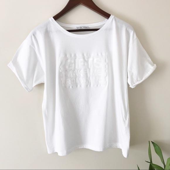 f56670462bed0 Zara White graphic T-shirt gifts make me romantic.  M 5b75e0e942aa76dba438b888